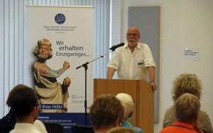 """Ortskurator Manfred Nothnagel bei Ausstellungseröffnung """"Seht, welch kostbares Erbe!"""" 21.6.2017© DSD"""