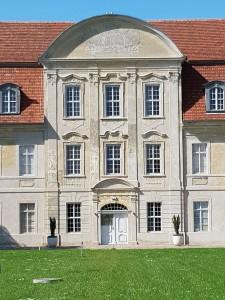 Restaurierte Barockfassade von Schloss Kummerow © B. de Cosnac